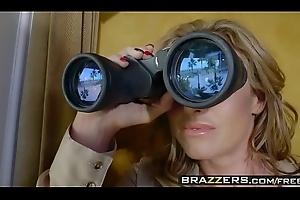 Brazzers - Milfs Like it Big - (Eva Notty) - Milf Detachment Vegas Slay rub elbows with Stakeout