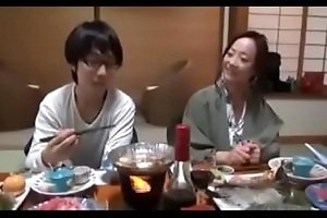 Japanese Milf shows nerdy Lady how in the air Lose one's heart to