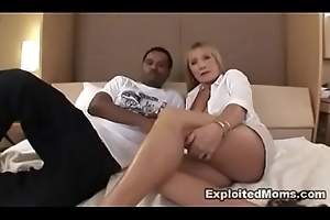Milf takes on a BBC with respect to Hot Latin babe Porn Flick