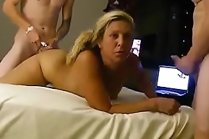 Maw gets Screwed at the end of one's tether lassie guests on good terms - Near at www.PORNHYPER.com