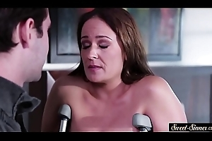 Well-endowed milf fucked overwrought their way saleable stepson