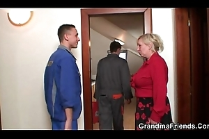Granny offers say no to old diet for 2 fellows