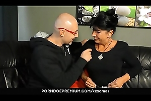 XXX OMAS - Deutsche Oma Jenny K. von Toto more der Missionarsstellung gefickt