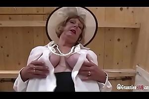 Hawt BBW Granny Blonde Dildo Masturbation