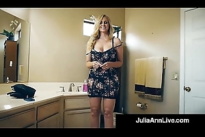 Eradicate affect Hottest Milf In Porn Julia Ann Bangs A Total Porn Newbie