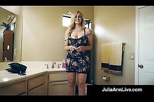 Eradicate affect Hottest Milf In Porn Julia Ann Bangs A Total Porn Newbie
