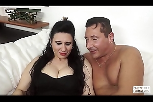 Sling ALLA ITALIANA - Of age Italian daughter acquires the brush cum-hole screwed on every side interview