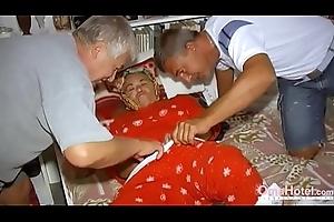 OmaHoteL Yoke Males Carrying-on all over Yoke Victorian Grandma