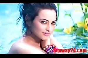 sonakshi sinha unclutter Viral pic (sexwap24.com)